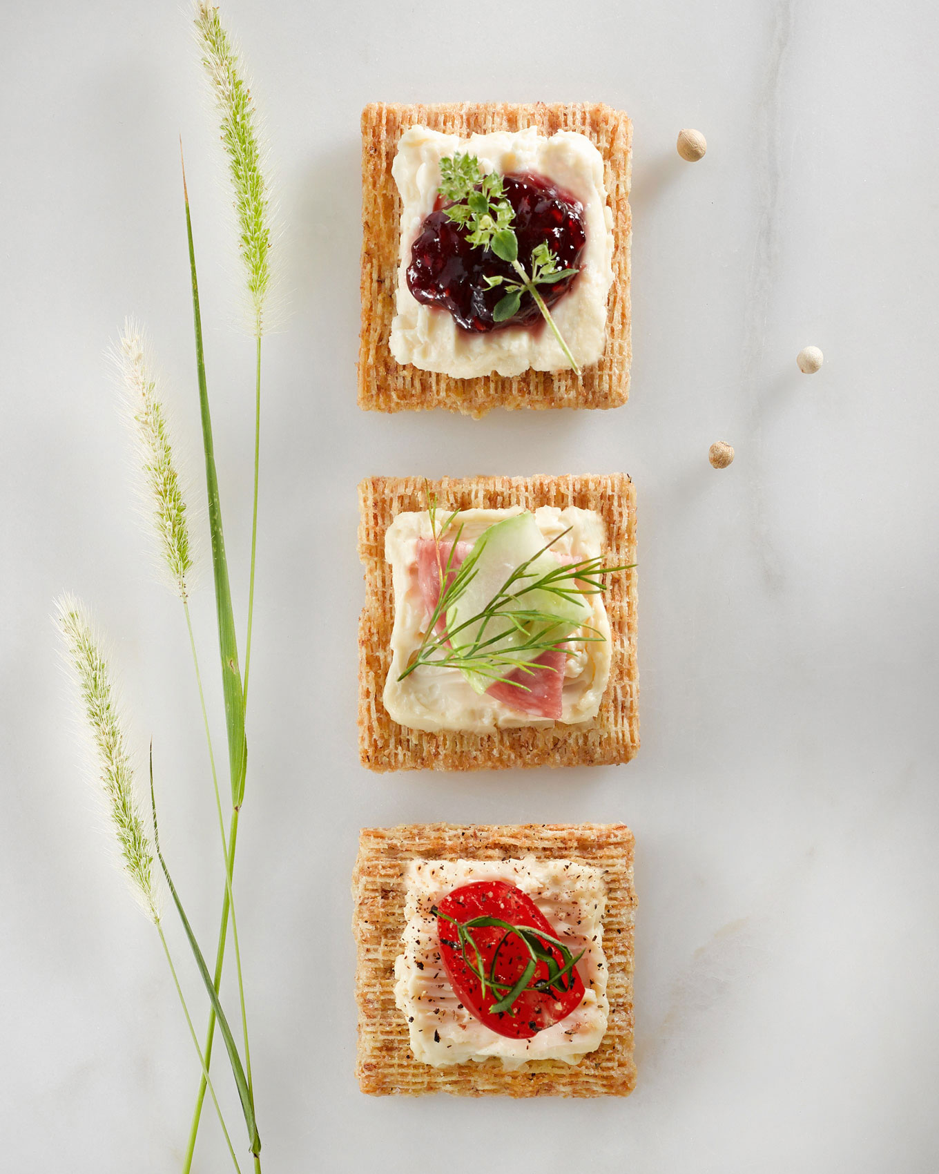 Bublys-Photograpy-cheese-triscuits-web2