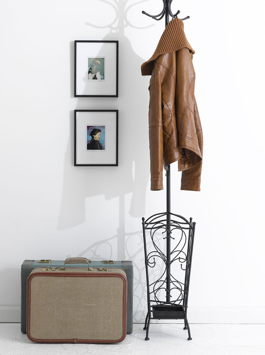 tauras_bublys_coat_rack